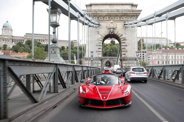 Ferrari Laferrari Aperta The Car Symbol Of The 70th Anniversary And